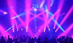 Shows met lichtflitsen bij muziekfestivals verhogen risico op epileptische aanval