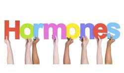 Vroege maandstonden en vroege menopauze verhogen kans op hart- en vaatziekten