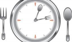Niet wat maar hoe en wanneer je eet is belangrijk bij migraine