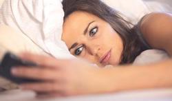 1 Vlaming op 3 checkt social media vlak voor slapen gaan