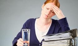 Menstruele of hormonale migraine: wat kunt u eraan doen?