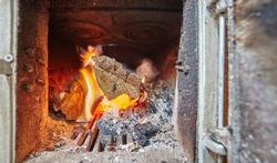 Zo stookt u slim: vijfentwintig tips voor veilig stoken in open haard en houtkachel