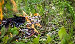 Verbrand geen afval in de tuin