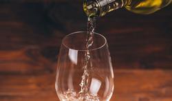 Een handig wistjedatje voor in de keuken: wat je doe je met een wijnrestje?