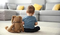 Hoe herken je autisme bij baby's en kleuters?