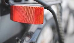 Hoe fiets je veilig in het donker?