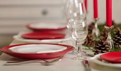 Hoe krijg je een tafellaken zonder vouwen op tafel?