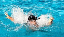 123m-gevaar-verdrinken-ehbo-water-zwemb-01-171.jpg