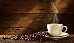 Koffie leidt misschien niet tot uitdroging (dehydratie)