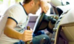 Slaapgebrek is even gevaarlijk als alcohol in het verkeer