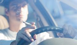 Engeland verbiedt roken in auto met kinderen