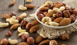 Waarom moet u 15 g noten en zaden per dag eten?