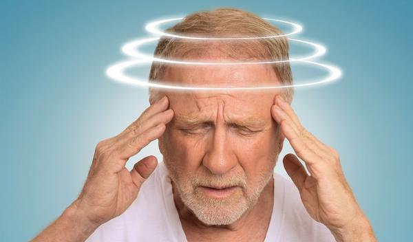 https://image.gezondheid.be//XTRA/123-senior-duizelig-vertigo-11-17.jpg