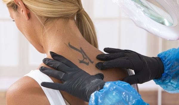 Mag U Met Een Nieuwe Tatoeage In De Zon Gezondheidbe