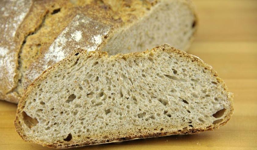 f-123-HD-zuurdesembrood-gebakken-05-18.jpg