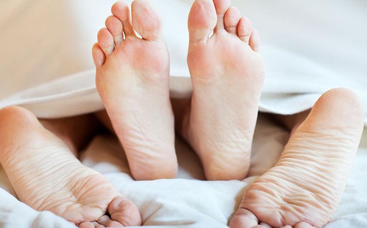 f123-h-seks-suggestie-voeten-04-19.jpg