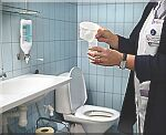urine-oz-wc.jpg