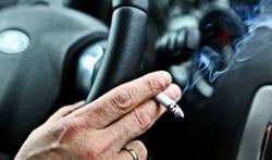 Huit bonnes raisons de ne pas fumer en voiture