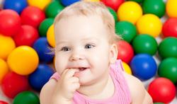 123-baby-ballenbad-blij-spelen-04-19.png