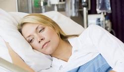 Chirurgie : comment soulager la soif après une opération ?