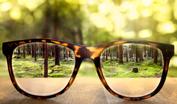 Hoeveel betaalt ziekteverzekering terug voor je bril?