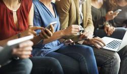 Veelvuldig gebruik sociale media leidt níet tot psychische en slaapproblemen