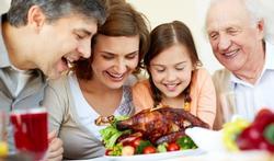 Grossesse et repas de fête : un minimum de prudence