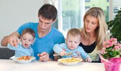 123-gezin-maalt-voed-stress-03-19.png