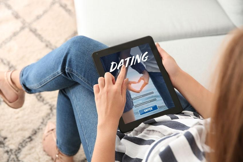 123-h-dating-online-01-21.jpg