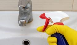 Hoe krijg je een kraan in chroom weer schoon?