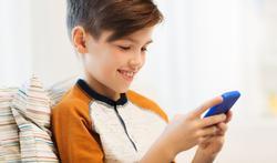 Mogelijk verband toename rug- en nekklachten en smartphones