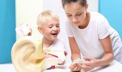 Bijna 1 op 5 jonge kinderen lijdt aan gehoorverlies