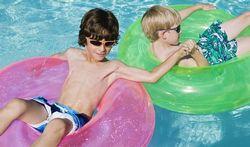 Mer ou piscine : le talc pour protéger ses accessoires gonflables