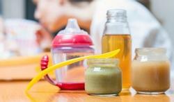 Potjesvoeding voor baby's: gezonder dan zelfbereide maaltijden?