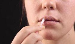 Wat doen tegen een koortslip (herpes labialis)?