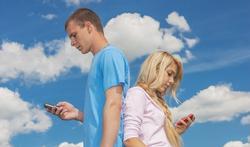 Le text-neck : la maladie des accros au smartphone