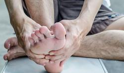 Mycose des pieds : causes, symptômes et prévention