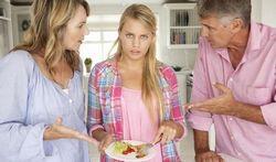 Parents, attention aux remarques sur le poids de votre fille