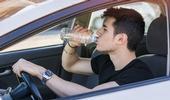 Pourquoi il faut boire beaucoup d'eau au volant
