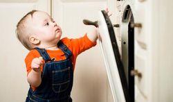 Brûlures chez l'enfant : les situations à risque