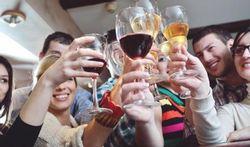 Quand on boit de l'alcool, on mange plus gras
