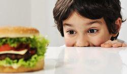 Pourquoi les enfants doivent manger de tout