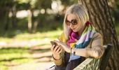 Surveiller son enfant ou utiliser le smartphone : il faut choisir