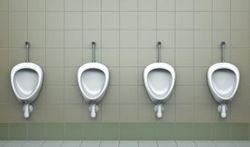 Toilettes publiques : le stress de l'urinoir