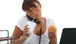 A midi, mieux vaut ne pas manger gras