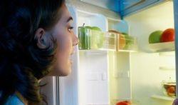 Boîte de conserve entamée : peut-on la laisser dans le frigo ?