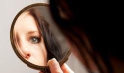 Hirsutisme : que faire contre ces excès de poils chez la femme ?