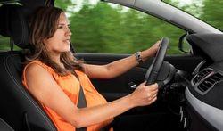 Grossesse : la ceinture de sécurité protège le bébé