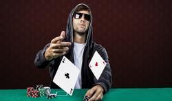 Poker : regardez bien les mains