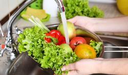 123-rauwe-groenten-spoelen-water-hyg-03-19.jpg
